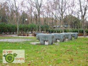 Reproducción de los Toros de Guisando en el parque de Moratalaz.